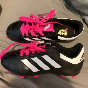 Shoes - 2.5 girls adidas soccer cleats
